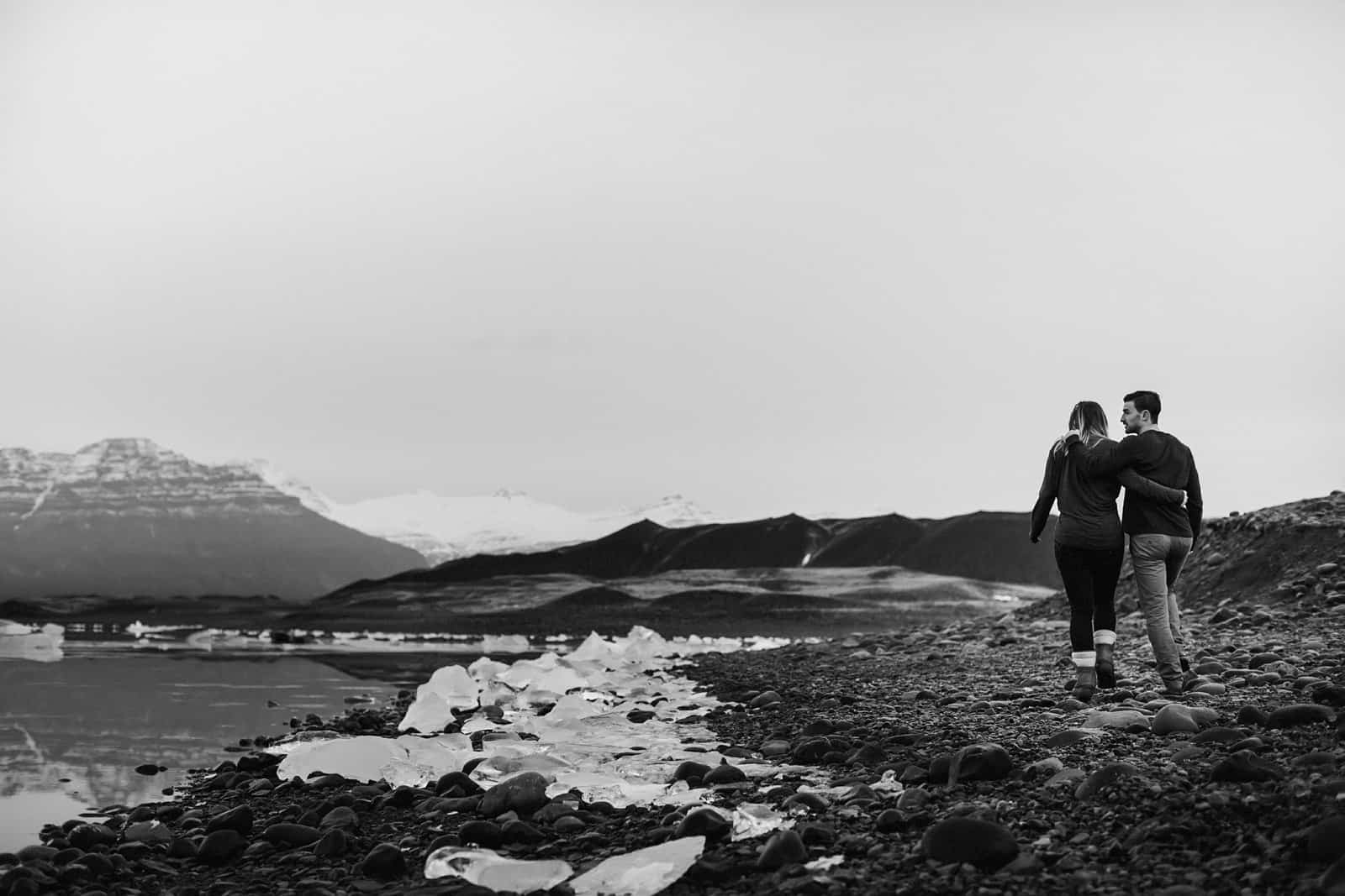 engagement-photos-iceland-blue-lagoon_0010