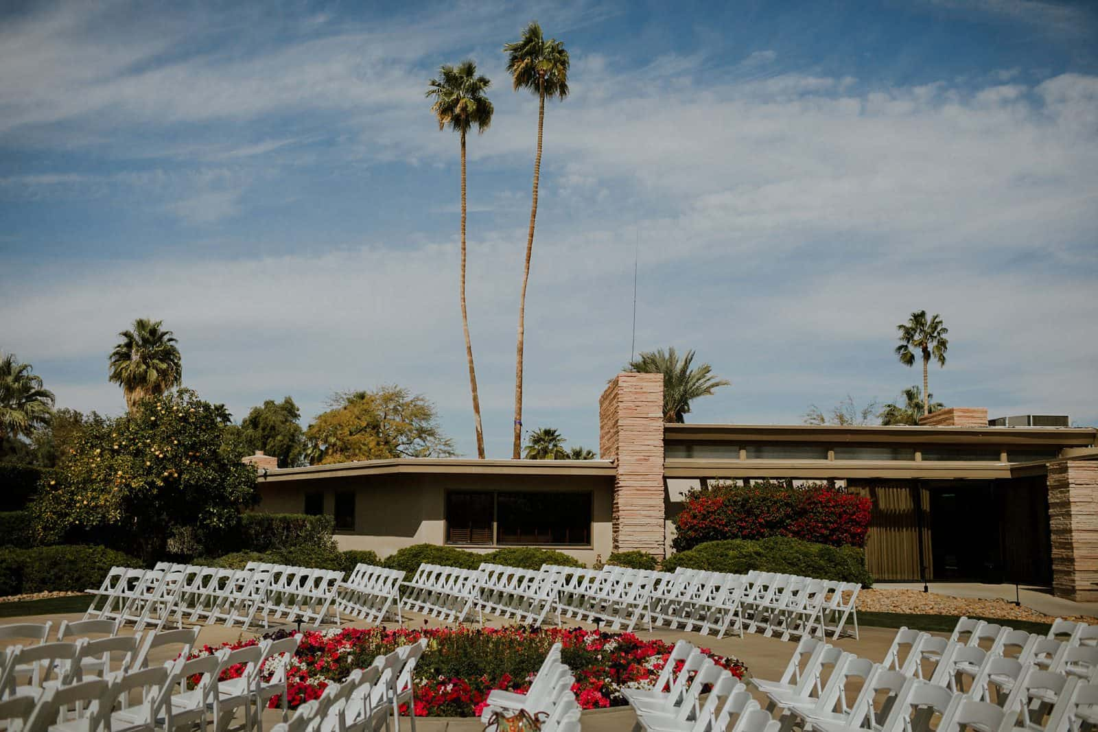 A chic palm springs wedding at twin palms estate palm for Twin palms estates palm springs