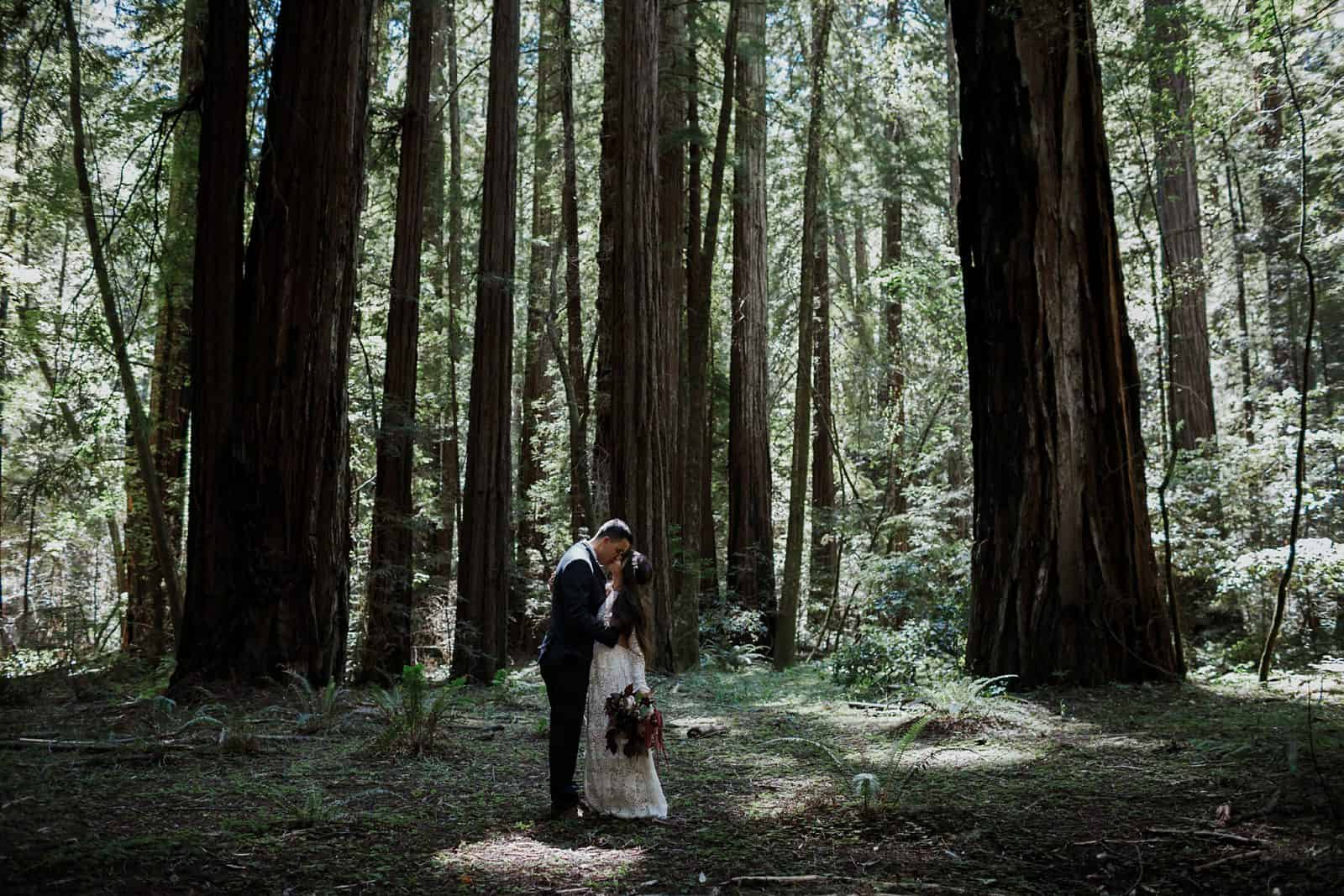 intimate-wedding-in-the-woods-sonoma_0039