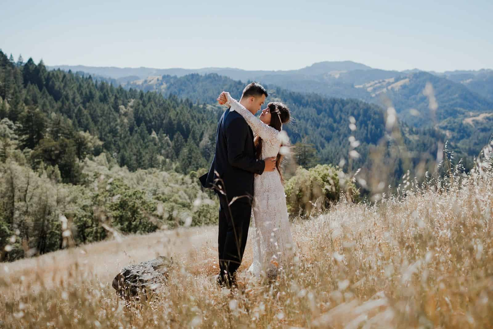intimate-wedding-in-the-woods-sonoma_0057