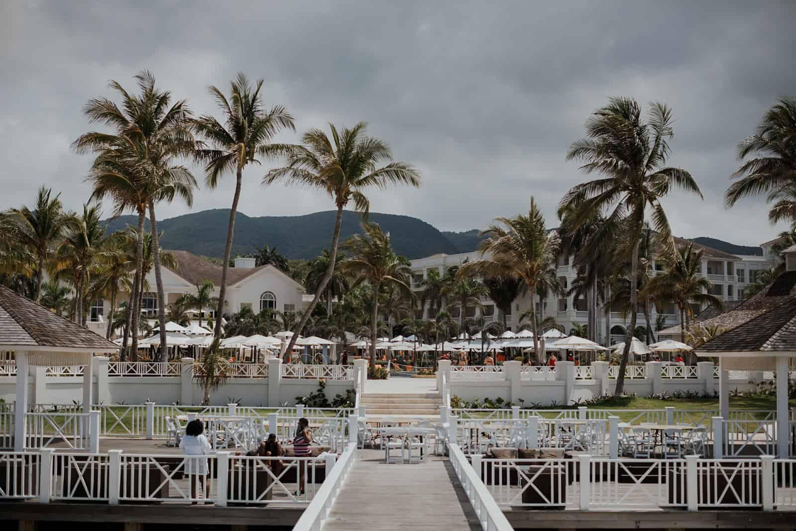 romantic-jamaica-destination-beach-wedding_0003