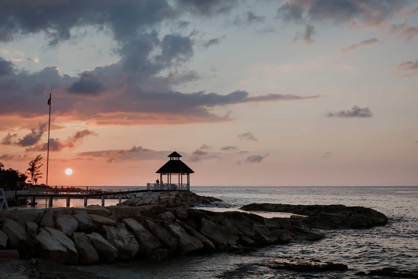 romantic-jamaica-destination-beach-wedding_0041