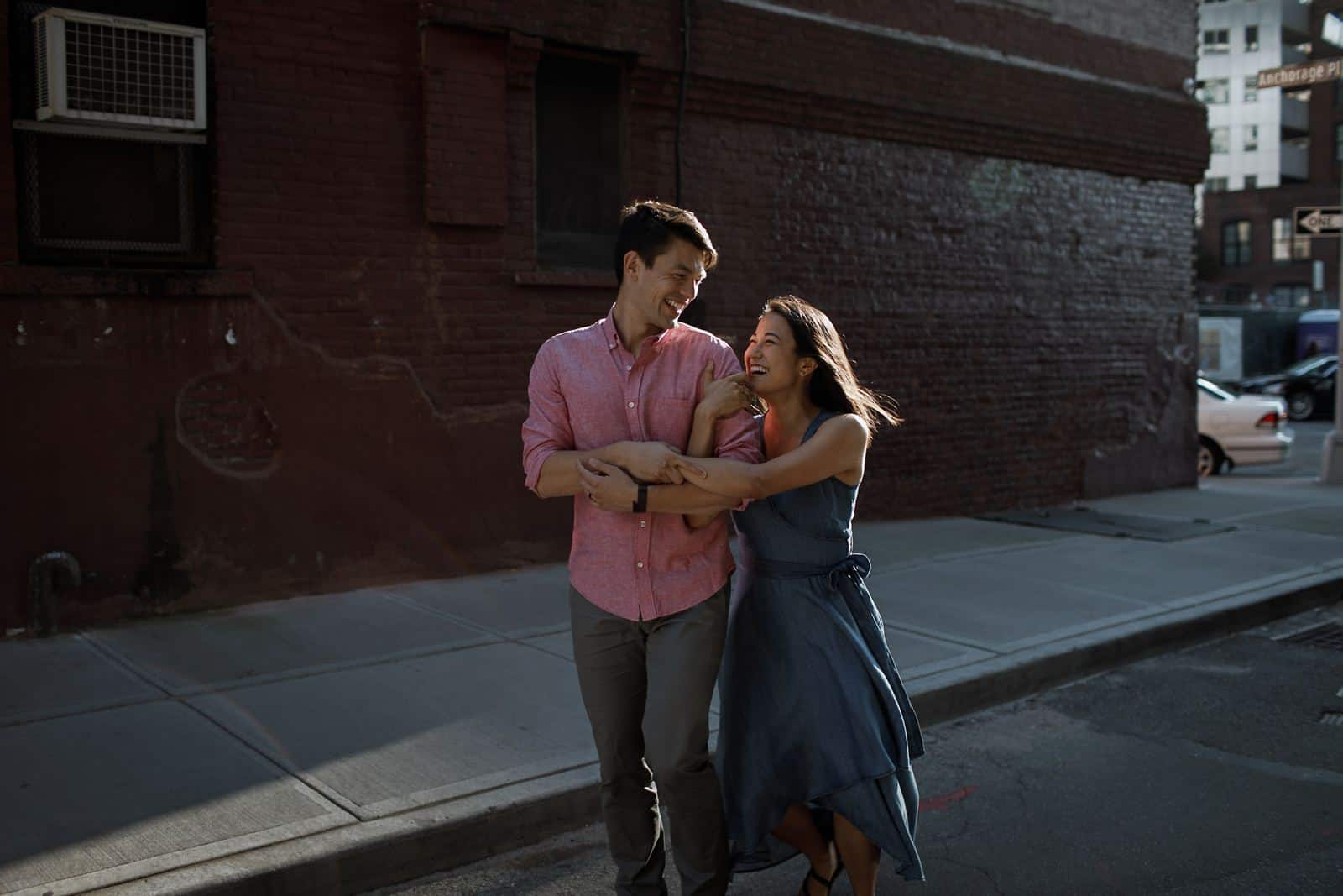 new york skyline and brooklyn engagement photography 0014
