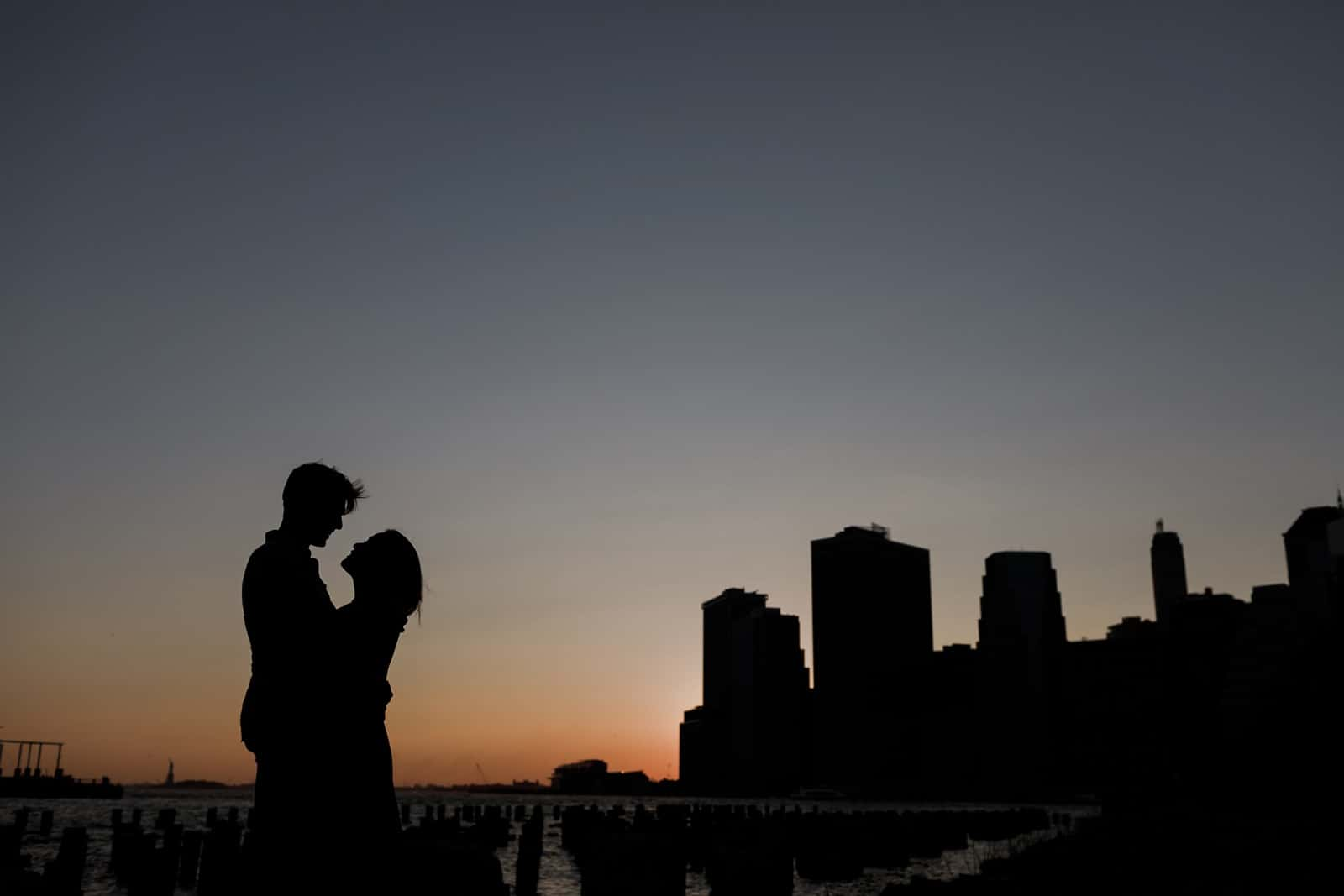 new york skyline and brooklyn engagement photography 0023