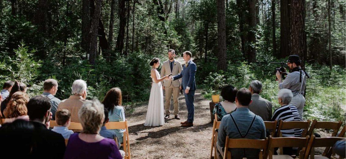 Yosemite Wedding Venues-Evergreen Lodge Wedding Photographer