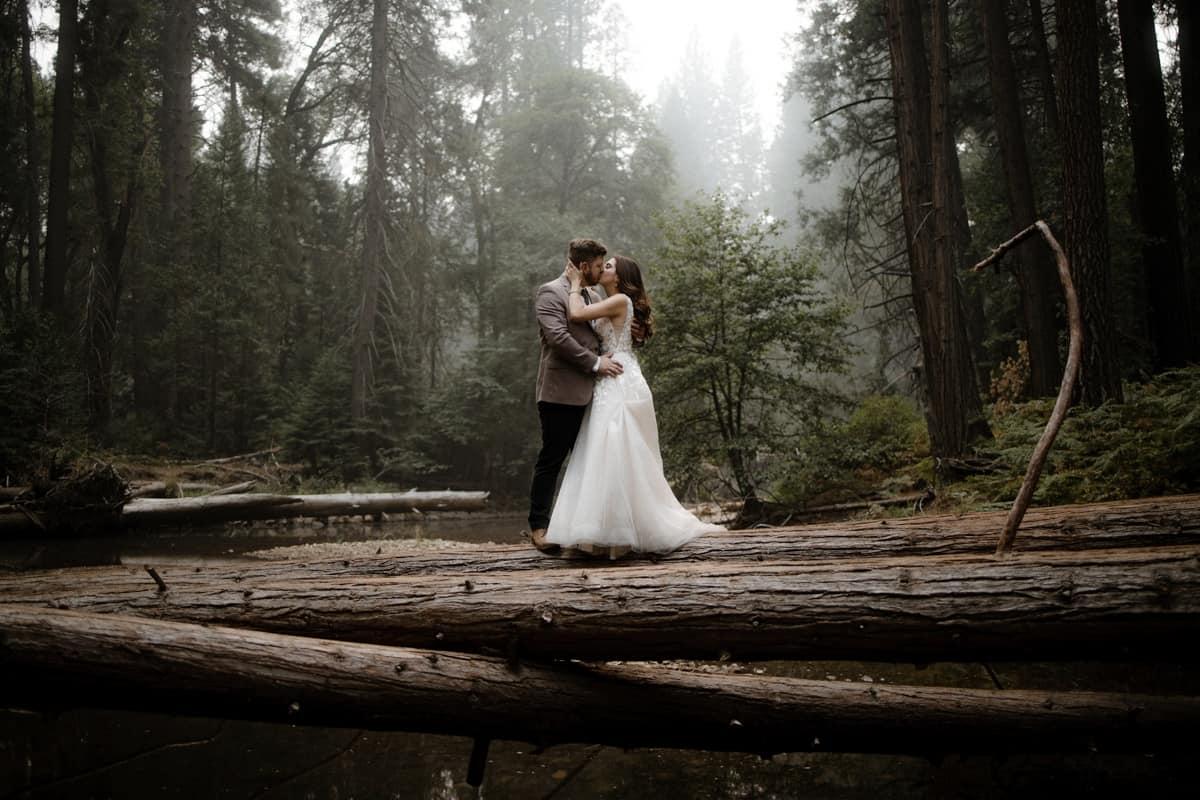 Romantic kiss during a Yosemite elopement